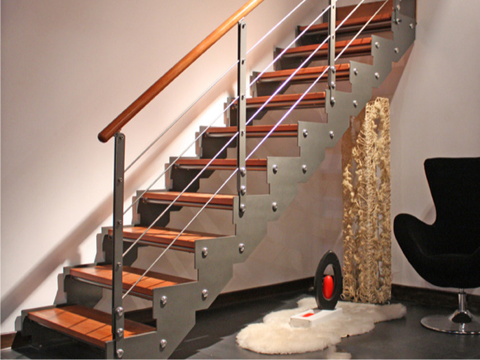 杭州水岸晶座公寓样板房钢木楼梯定制